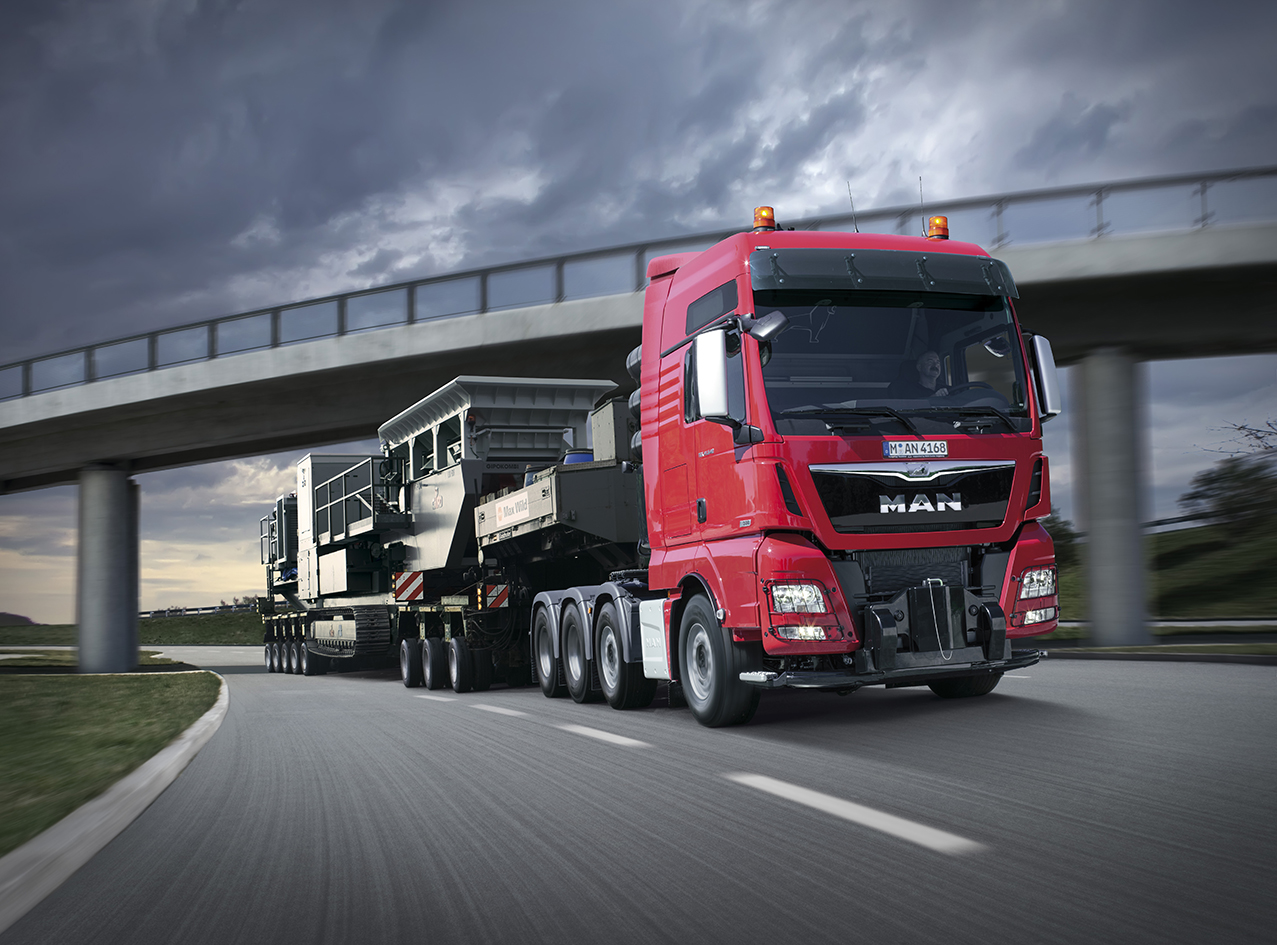 600b28d1be 22 00 With an extra-wide load to transport safely through the night